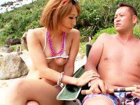 【青姦おまんこ動画】無人島で子作り計画wwワガママ黒ギャルがマイクロビキニで男を誘惑…生中出し歓迎ww
