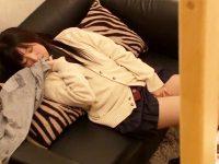 【JKおまんこ動画】兄の部屋でエロ本を見つけた女子校生の妹がオナニー開始…それを見つけた兄と近親相姦セックスww