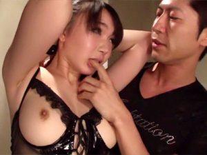 【フェラチオ動画】1滴の精子も無駄にせず口内と膣内で受け止める肉便器女…おまんこ付近に付いた精子でオナニーww