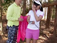 【フェラチオ動画】ゴルフ場の現役キャディが田舎住まいの刺激のない生活が嫌でAV応募…コースで即尺するビッチww