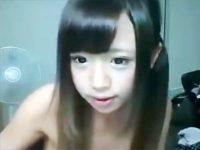 【ライブチャット動画】童顔に似合わないほどの美巨乳生主さきたむがおっぱいぷるぷる揺らしながらライブ配信ww