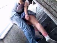 【JCフェラチオ動画】媚薬を塗り込んだチンポでイラマチオされた同じ団地に住む女の子…薬漬けになった末路がヤバイww