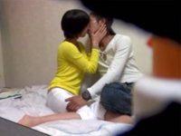 【人妻ハメ撮りおまんこ動画】愛する妻を寝取って欲しい…特殊な性癖の夫の依頼で美尻な奥さんを酔わせて即ハメww