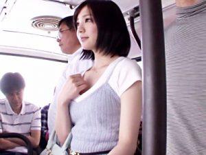 【鈴村あいり手コキ動画】バスに乗車したモデル体型の美人女性を狙う痴漢…抵抗出来ない女性に強制手コキww