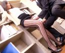 【女教師おまんこ動画】誰も居ない職員室でローターオナニーしてるところを教頭先生に見つかり脅されセックスww