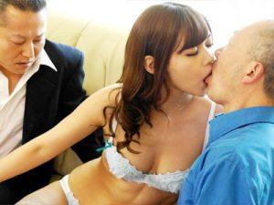 【ギャルママおまんこ動画】夫の帰りが遅いことを確認したら朝から不倫セックスするビッチ妻ww