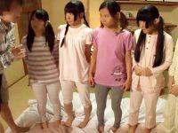 【JCおまんこ動画】スクール水着の日焼けあとが残る幼い女の子達を呼び出したオジサンの羨ましすぎる行動とはww
